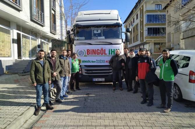 Bingöl'de Suriye için 3 Tır yardım malzemesi toplandı