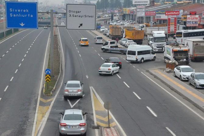 Diyarbakır 3. Sanayi Sitesi önündeki bağlantı yolu kazalara neden oluyor