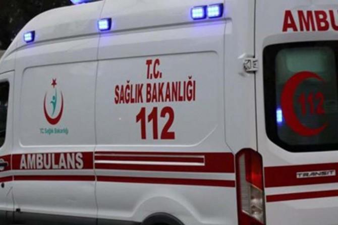 Erzurum'da yolcu midibüsü devrildi: Bir ölü, 12 yaralı