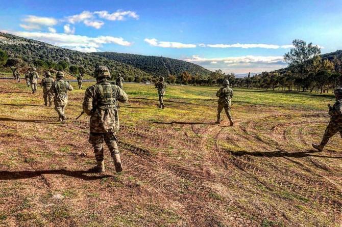 TSK, İdlib'deki gözlem noktalarına komando takviyesi yapmaya devam ediyor
