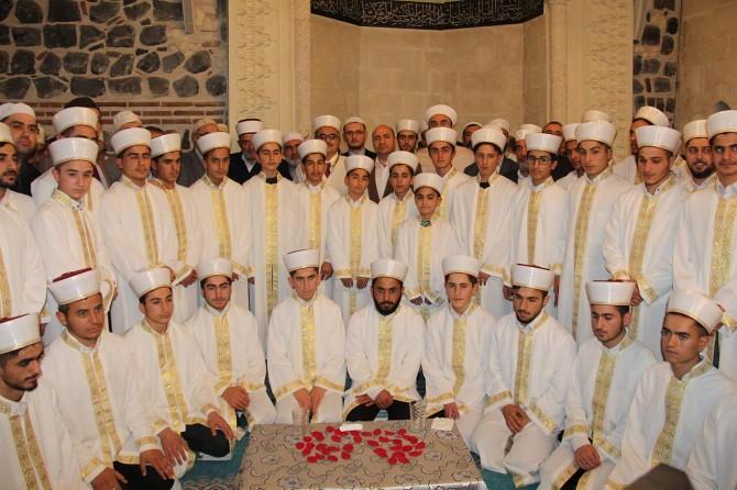 Diyarbakır'da hafızlık eğitimini tamamlayan 118 öğrenci icazet aldı