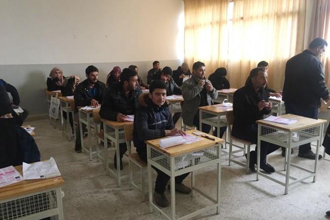 Tel Abyadlı öğrenciler üniversiteye geçiş sınavına girdi