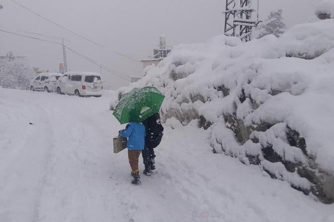 Etkili olan kar nedeniyle birçok ilde okullar tatil edildi
