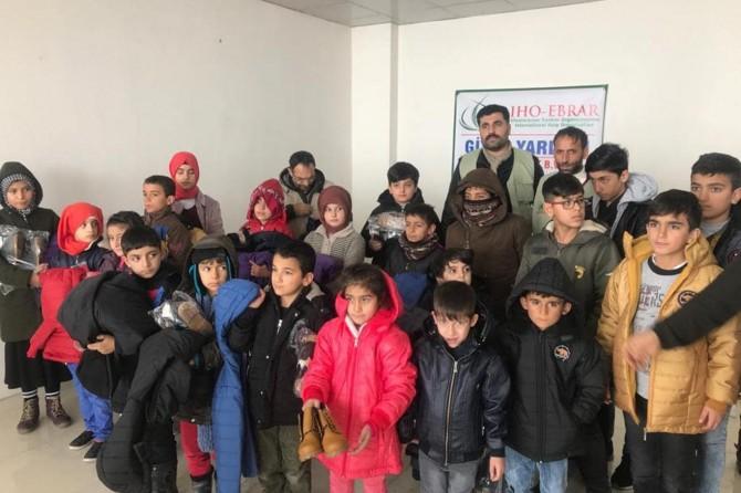 IHO-EBRAR Bingöl'de yetim ve ihtiyaç sahibi çocuklara giyim yardımında bulundu