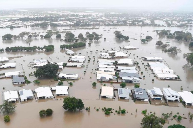 İçtikleri su nedeniyle 10 bin deveyi katleden Avustralya'da sel felaketi