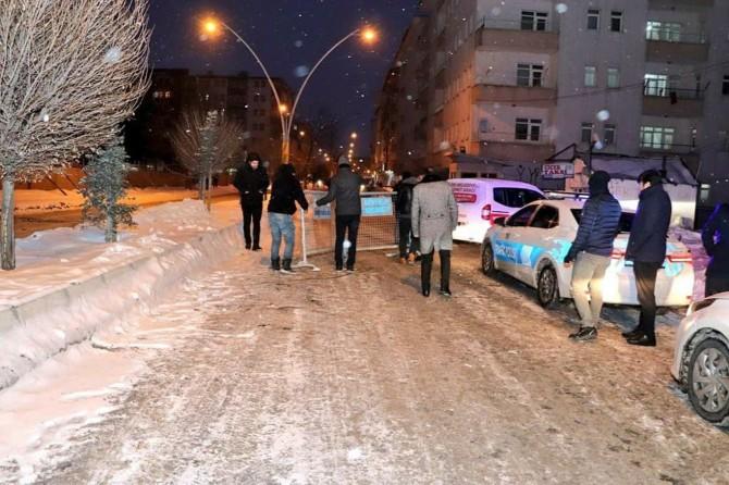 Ağrı'da güvenlik nedeniyle trafiğe kapatılan yollar yeniden açıldı
