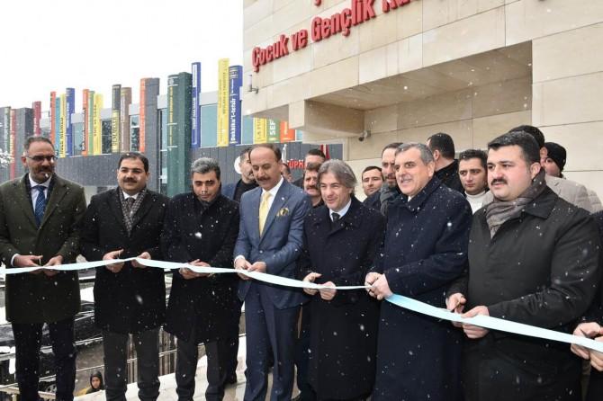 Şanlıurfa'da Köprü Kütüphane ile Çocuk ve Gençlik Kütüphanesi açıldı