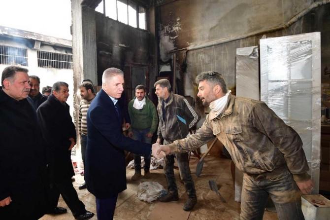 Gaziantep Valisi Gül işyerleri yanan esnafı ziyaret etti