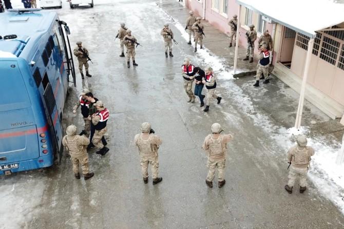 Siirt E Tipi Cezaevinde, Jandarma Özel Harekat tarafından tatbikat gerçekleştirildi