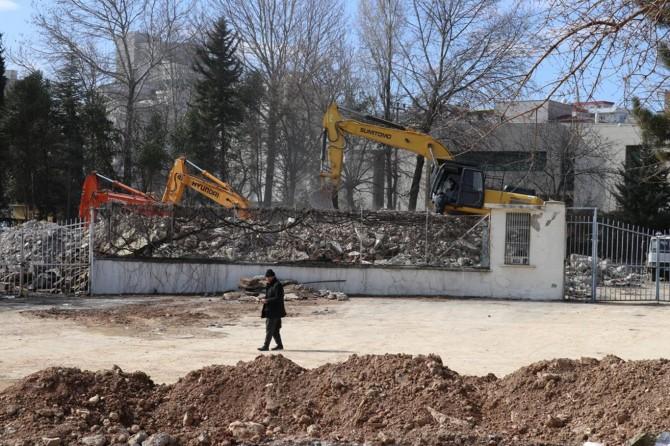 """Halkın """"Cuma Camii"""" talebinin hiçe sayıldığı statta çalışmalar başladı"""