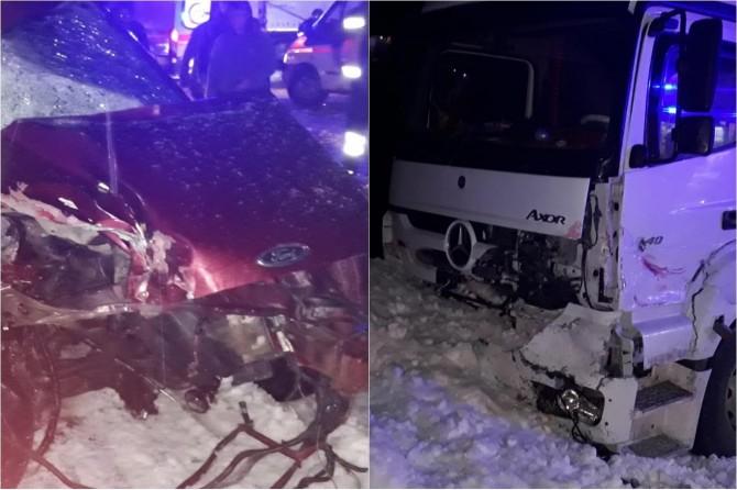 Bitlis'te üç aracın karıştığı kazada 3 kişi hayatını kaybetti, 2 kişi de yaralandı