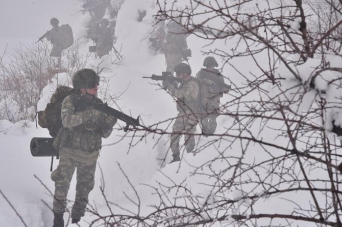 TSK, Hakurk ve Avaşin bölgelerine hava destekli operasyon düzenledi
