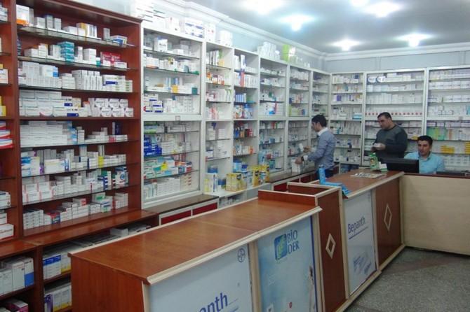 Eczacılar, ilaç zammının ilaç firmalarından kaynaklandığını belirtiyor
