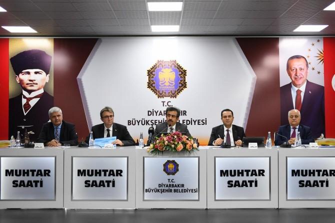 Diyarbakır'da 2 bin 158 kilometre sıcak asfalt serilecek
