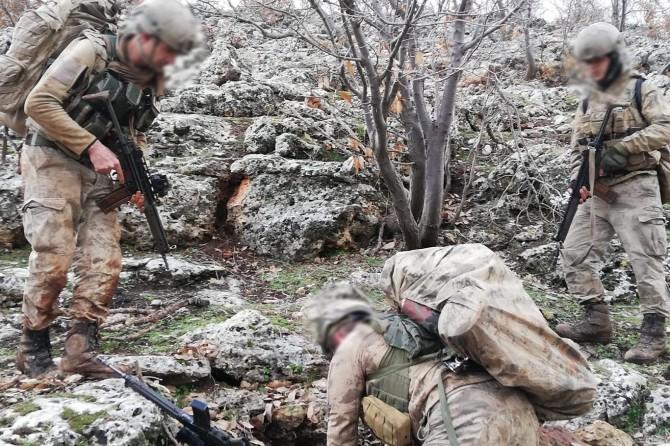 Mardin'de PKK'ye ait sığınaklarda patlayıcı madde bulundu