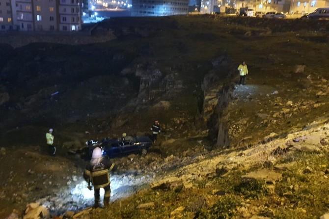 Gaziantep'te takla atan otomobil uçuruma düştü, aynı aileden 5 kişi yaralandı