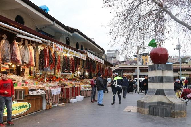 Gaziantep'te asırlardır canlılığını koruyan çarşı: Almacı Pazarı