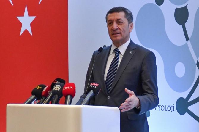 """Bakan Selçuk: """"Yarın Elâzığ'da okul zili çalacak"""""""