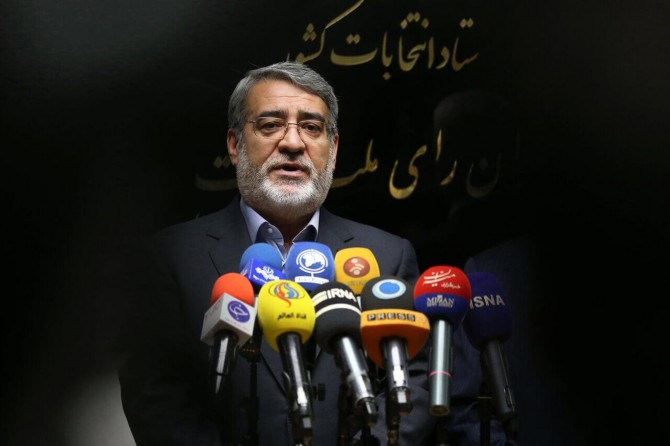 İran İçişleri Bakanı: Meclis seçimlerine katılım 42,57 oldu