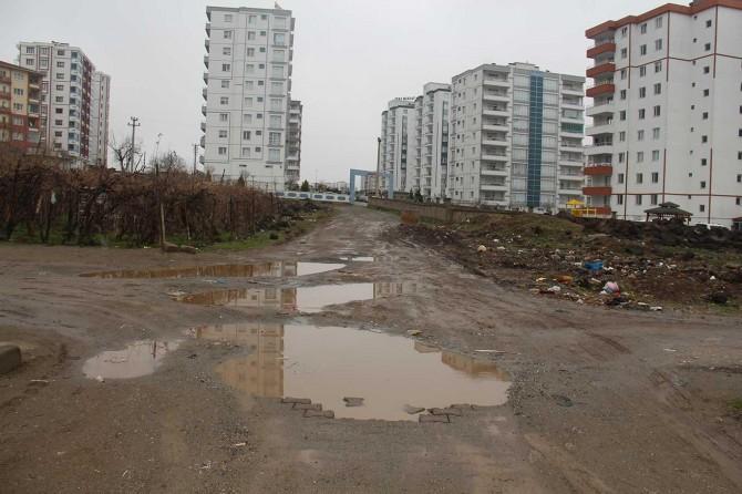 Diyarbakır 500 Evler sakinleri: Mahallemizin en önemli sorunu yolların çukurlu olmasıdır