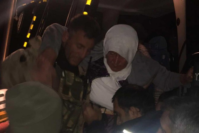 Kar nedeniyle ulaşıma kapanan mezrada fenalaşan kadın hastaneye yetiştirildi