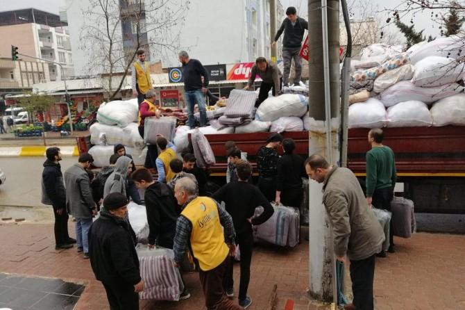 Hayırseverlerin İdlib'e yardımları devam ediyor