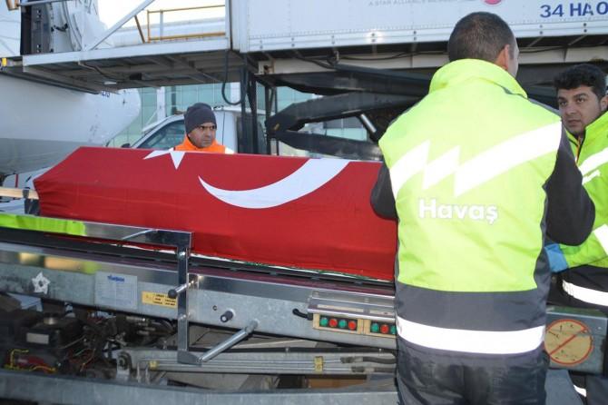 Almanya'daki ırkçı saldırıda hayatını kaybeden Gültekin'in cenazesi Ağrı'ya getirildi