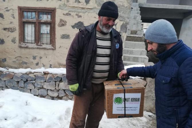Van Umut Kervanı, depremzedelere yardımlarını sürdürüyor