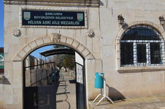 Bakımı yapılmayan mezarlıklarla ilgili Büyükşehir Belediyesine tepki