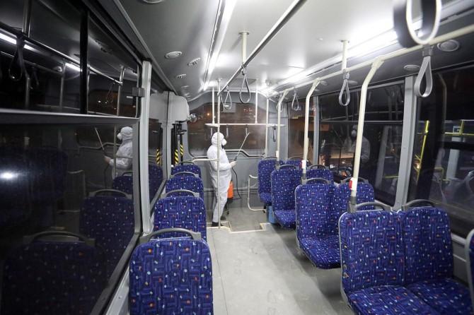 Van'daki toplu taşıma araçları Corona virüse karşı ilaçlanıyor