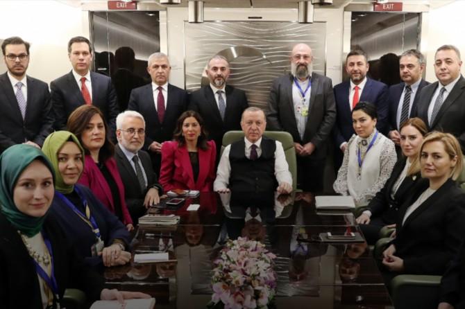 Cumhurbaşkanı Erdoğan, Azerbaycan ziyareti dönüşü gazetecilerle söyleşi gerçekleştirdi