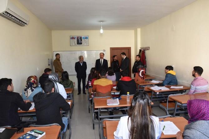 Şanlıurfa Valisi Abdullah Erin, Siverek'te öğrencilerle buluştu