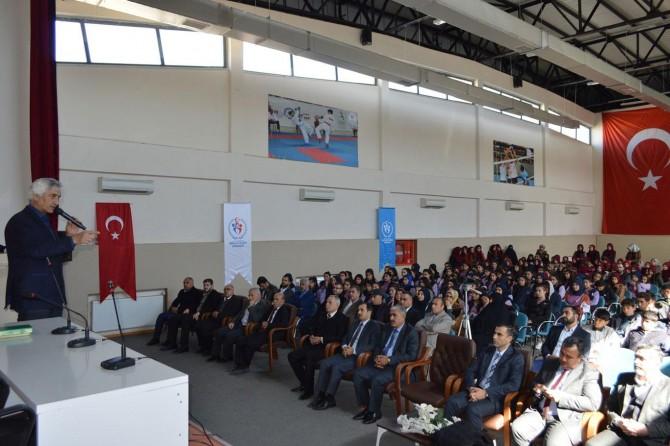 """Şanlıurfa'da """"Namazla Diriliş"""" konulu konferans düzenlendi"""