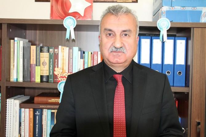 """Prof. Dr. Demirtaş: """"Etkisi devam eden 28 Şubat'ın en büyük tahribatı manevi olmuştur"""""""