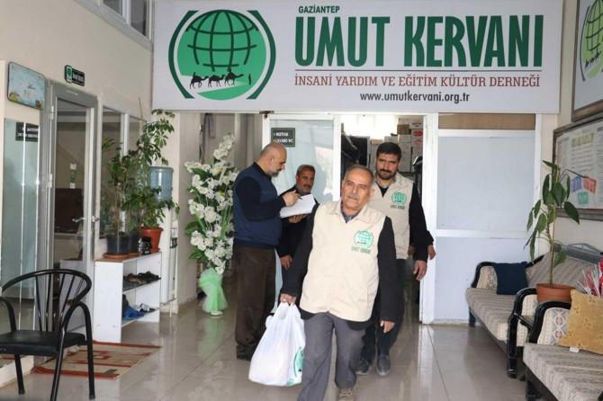 Gaziantep Umut Kervanı ihtiyaç sahibi ailelere gıda yardımında bulundu