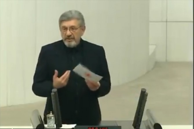 Milletvekili Cihangir İslam, Saadet Partisi'nden istifa etti