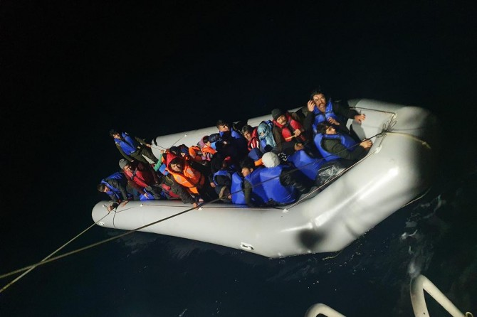 Aydın açıklarında 130 düzensiz göçmen kurtarıldı