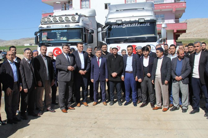 Diyarbakır'da hazırlanan yardım TIR'ları İdlib için yola çıktı