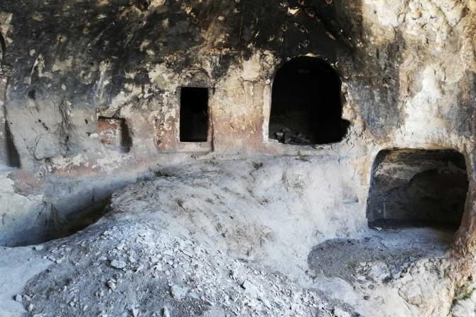 Diyarbakır'da PKK'ye ait 3 sığınak imha edildi
