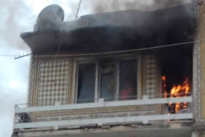 Adıyaman'da bir evde çıkan yangında 2 kişi dumandan etkilendi