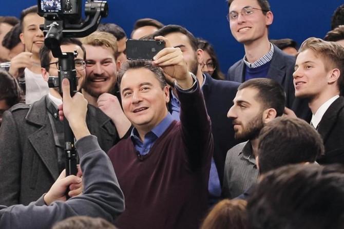 """Ali Babacan: """"Partinin tanıtımını çarşamba günü yapıyoruz"""""""