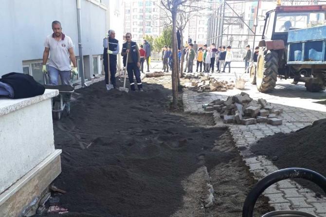 Diyarbakır Bağlar Belediyesi, 2 okulun onarımını gerçekleştirdi