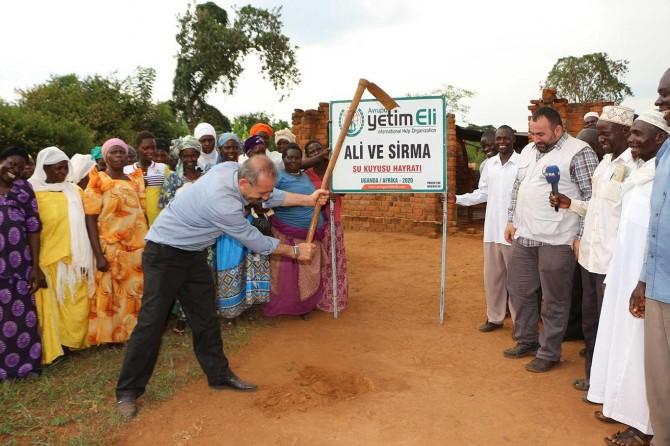 Uganda'da yeni su kuyularının temeli atıldı