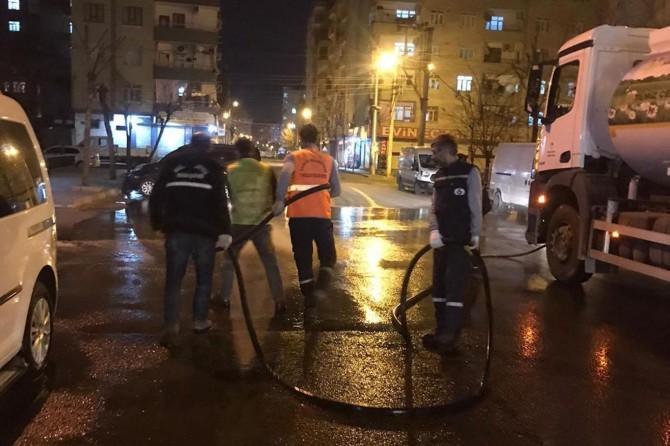 Diyarbakır'da semt pazarları dezenfekte ediliyor