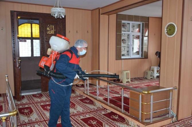 Erzurum'da ibadethaneler dezenfekte edildi