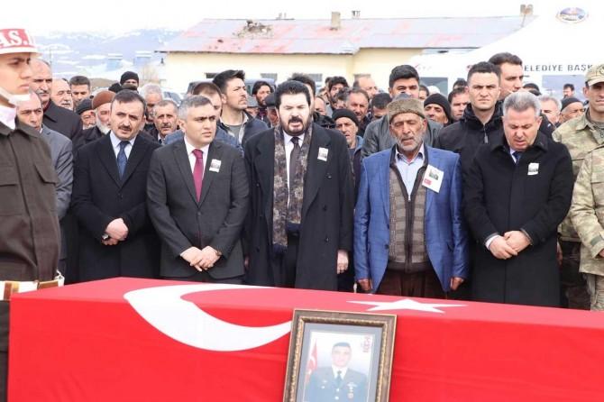 İdlib'de hayatını kaybeden Uzman Çavuş Ağrı'da toprağa verildi