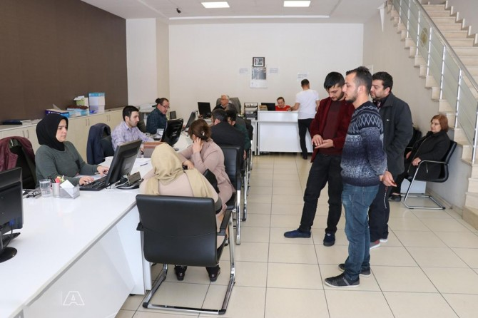 Corona virüs tedbirleri kapsamında bankalar 12:00 ile 17:00 arasında hizmet verecek