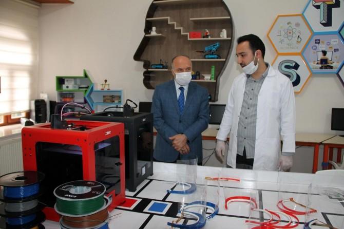 Bitlis Milli Eğitim Müdürlüğü bünyesinde 'siper koruyucu' maske üretimine başlandı