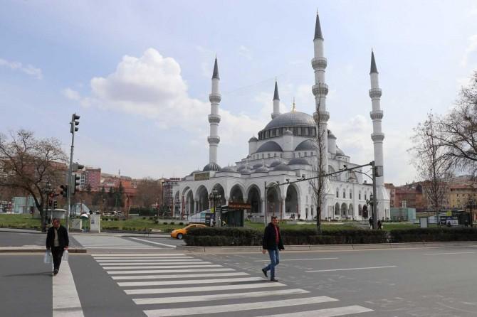 Coronavirus tedbirleri nedeniyle Ankara sessizliğe büründü