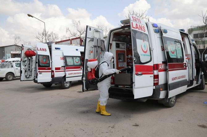 Gaziantep'te Coronavirus'e karşı ambulanslar dezenfekte ediliyor